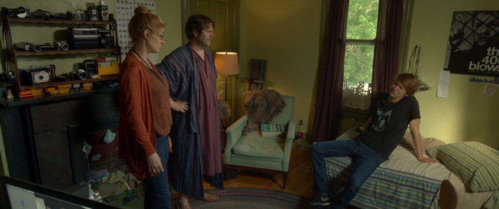 """(L to R) Connie Britton as """"Greg's Mom,"""" Nick Offerman as """"Greg's Dad"""" and Thomas Mann as """"Greg"""" in ME AND EARL AND THE DYING GIRL. Photo coutesy of Fox Searchlight Pictures. © 2015 Twentieth Century Fox Film Corporation All Rights Reserved"""
