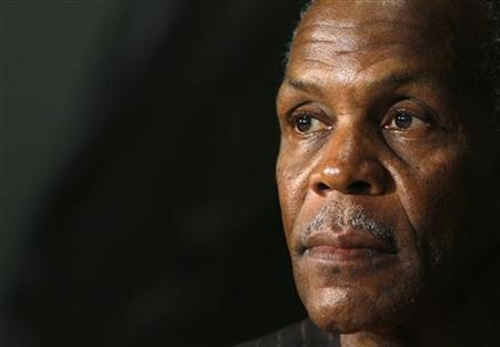 """Cast member Danny Glover attends a news conference for the film """"Blindness"""" by Brazilian director Fernando Meirelles at the 61st Cannes Film Festival May 14, 2008. REUTERS/Jean-Paul Pelissier"""